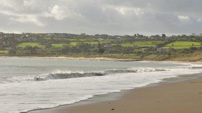 Beach at Abersoch (© Nilfanion [CC BY-SA 4.0 (https://creativecommons.org/licenses/by-sa/4.0)], via Wikimedia Commons (original photo: https://commons.wikimedia.org/wiki/File:Beach_at_Abersoch_(7296).jpg))