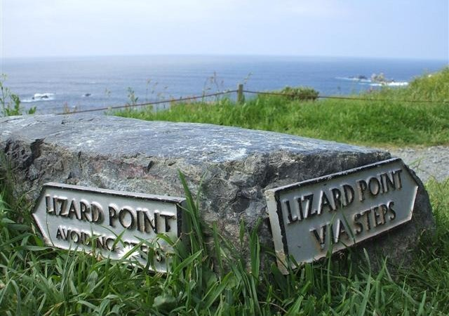 Lizard Point, Cornwall (© Copyright Kenneth Allen and licensed under this Creative Commons Licence (https://creativecommons.org/licenses/by-sa/2.0/).)