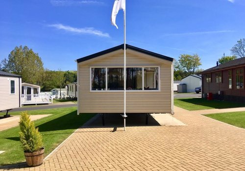 Photo of Holiday Home/Static caravan: 2-bed Europa Shorewood