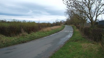 Heading south east into North Cowton  (© © Copyright JThomas (https://www.geograph.org.uk/profile/35313) and licensed for reuse (http://www.geograph.org.uk/reuse.php?id=4740990) under this Creative Commons Licence (https://creativecommons.org/licenses/by-sa/2.0/).)