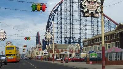 Blackpool (© By User:Gambitek (Own work) [GFDL (http://www.gnu.org/copyleft/fdl.html) or CC BY-SA 4.0-3.0-2.5-2.0-1.0 (http://creativecommons.org/licenses/by-sa/4.0-3.0-2.5-2.0-1.0)], via Wikimedia Commons  (GFDL copy: https://en.wikipedia.org/wiki/GNU_Free_Documentation_License, original photo: https://commons.wikimedia.org/wiki/File:Blackpool_005.jpg))
