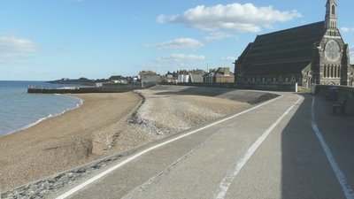 The sea-wall at Sheerness-on-Sea (© © Copyright John Baker (http://www.geograph.org.uk/profile/262850) and licensed for reuse (http://www.geograph.org.uk/reuse.php?id=3158488) under this Creative Commons Licence (https://creativecommons.org/licenses/by-sa/2.0/).)