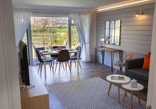 Photo of Lodge: 2-Bedroom Premium Lakeside Cottage, Sleeps 4