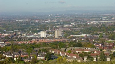 View from Werneth Low on a sunny day  (© © Copyright Janine Cook (https://www.geograph.org.uk/profile/31161) and licensed for reuse (http://www.geograph.org.uk/reuse.php?id=1038627) under this Creative Commons Licence ( © Copyright Janine Cook and licensed for reuse under this Creative Commons Licence).)