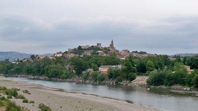 Mallemort - vue générale (© By Véronique PAGNIER (Own work) [Public domain], via Wikimedia Commons)