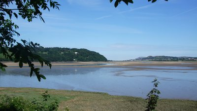 Glan Conwy (© Richard Hoare [CC BY-SA 2.0 (http://creativecommons.org/licenses/by-sa/2.0)], via Wikimedia Commons (original photo: https://commons.wikimedia.org/wiki/File:Who_has_stolen_the_river_at_Glan_Conwy%3F_-_geograph.org.uk_-_1917182.jpg))