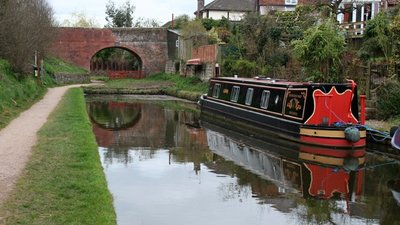 Stub of the Whitchurch Arm of the Llangollen Canal  (© © Copyright Espresso Addict (http://www.geograph.org.uk/profile/6428) and licensed for reuse (http://www.geograph.org.uk/reuse.php?id=1231256) under this Creative Commons Licence (https://creativecommons.org/licenses/by-sa/2.0/).)
