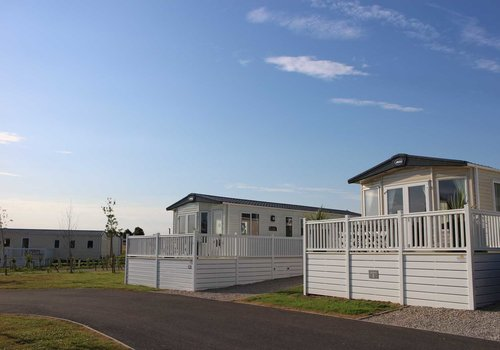 Photo of Holiday Home/Static caravan: 2-Bed Pet-Friendly Superior Caravan with Lake Views
