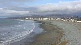 South end of Borth beach  (© © Copyright Nigel Brown (https://www.geograph.org.uk/profile/15376) and licensed for reuse (http://www.geograph.org.uk/reuse.php?id=582781) under this Creative Commons Licence (https://creativecommons.org/licenses/by-sa/2.0/))