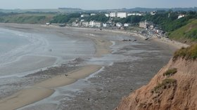 Filey, East Yorkshire near the caravan site (© By Paul Stephenson from London (Filey, East Yorkshire) [CC BY 2.0 (https://creativecommons.org/licenses/by/2.0)], via Wikimedia Commons (original photo: https://commons.wikimedia.org/wiki/File:Filey,_East_Yorkshire_(12241434636).jpg))