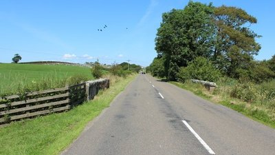 Road to Castle Douglas at Cuckoo Bridge near the caravan site (© © Copyright Billy McCrorie (https://www.geograph.org.uk/profile/22650) and licensed for reuse (http://www.geograph.org.uk/reuse.php?id=4085459) under this Creative Commons Licence (https://creativecommons.org/licenses/by-sa/2.0/).)