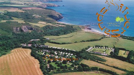 Silver Sands Holiday Park - Beach Holiday on the Lizard (© Silver Sands Holiday Park)