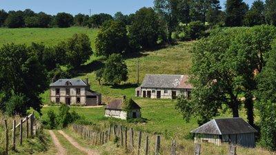 Calvados, Auquainville (© By Vincent van Zeijst (Own work) [CC BY-SA 3.0 (http://creativecommons.org/licenses/by-sa/3.0)], via Wikimedia Commons (original photo: https://commons.wikimedia.org/wiki/File:France,_Calvados,_Auquainville_(3).JPG))