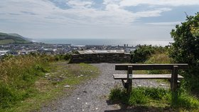 Viewpoint, Parc Natur Penglais  (© © Copyright Ian Capper (https://www.geograph.org.uk/profile/16999) and licensed for reuse (https://www.geograph.org.uk/reuse.php?id=5089766) under this Creative Commons Licence (https://creativecommons.org/licenses/by-sa/2.0/).)