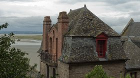 In the region: Vue nord-ouest du presbytère (Le Mont-Saint-Michel, Manche) (© By EdouardHue (Own work) [CC BY-SA 3.0 (http://creativecommons.org/licenses/by-sa/3.0)], via Wikimedia Commons (original photo: https://commons.wikimedia.org/wiki/File:Vue_nord-ouest_du_presbyt%C3%A8re_(Le_Mont-Saint-Michel,_Manche,_France).jpg))