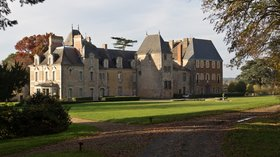 Attractions in the local region - Façade est du château de Pordor (Avessac, Loire-Atlantique, France) (© By Edouard Hue (EdouardHue) (Own work) [CC BY-SA 3.0 (http://creativecommons.org/licenses/by-sa/3.0)], via Wikimedia Commons (original photo: https://commons.wikimedia.org/wiki/File:Fa%C3%A7ade_est_du_ch%C3%A2teau_de_Pordor_(Avessac,_Loire-Atlantique,_France).jpg))