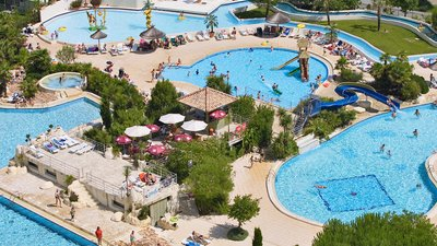 Swimming pool of the 5 stars campsite Sequoia Parc in France - Swimming pool area of the campsite Sequoia Parc - 5 stars campsite at Saint-Just-Luzac. 4 swimming pools included 3 heated