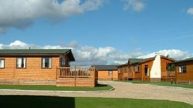 Picture of Homestead Lake Country Park, Essex - Holiday homes on the park