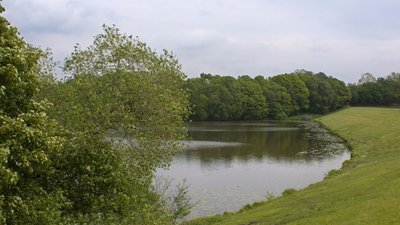 Adlington Reservoir (© © Copyright Ian Greig (http://www.geograph.org.uk/profile/9857) and licensed for reuse (http://www.geograph.org.uk/reuse.php?id=2396626) under this Creative Commons Licence (https://creativecommons.org/licenses/by-sa/2.0/).)