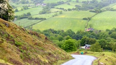 Rosedale Chimney Bank  (© © Copyright David Smith (https://www.geograph.org.uk/profile/708) and licensed for reuse (http://www.geograph.org.uk/reuse.php?id=4566129) under this Creative Commons Licence (https://creativecommons.org/licenses/by-sa/2.0/).)