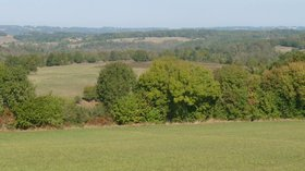 Eymouthiers, Limousin (© By Jack ma (Own work) [GFDL (http://www.gnu.org/copyleft/fdl.html) or CC BY-SA 3.0 (http://creativecommons.org/licenses/by-sa/3.0)], via Wikimedia Commons (GFDL copy: https://en.wikipedia.org/wiki/GNU_Free_Documentation_License, original photo: https://commons.wikimedia.org/wiki/File:Eymouthiers_limousin.JPG))
