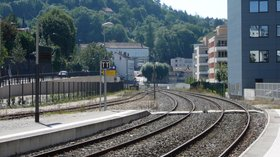 Nearby: Gare de Besançon Mouillère côté Morteau (© By Vincent de Morteau (Own work) [GFDL (http://www.gnu.org/copyleft/fdl.html) or CC BY-SA 3.0 (http://creativecommons.org/licenses/by-sa/3.0)], via Wikimedia Commons (GFDL copy: https://en.wikipedia.org/wiki/GNU_Free_Documentation_License, original photo: https://commons.wikimedia.org/wiki/File:Gare_de_Besan%C3%A7on_Mouill%C3%A8re_c%C3%B4t%C3%A9_Morteau.JPG))