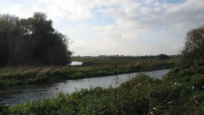 Driffield Canal  (© © Copyright Phil Williams (https://www.geograph.org.uk/profile/2215) and licensed for reuse (http://www.geograph.org.uk/reuse.php?id=73589) under this Creative Commons Licence (https://creativecommons.org/licenses/by-sa/2.0/).)