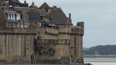 Tour Basse, Tour Boucle et Bastillon de la Tour Boucle_ Le Mont-Saint-Michel, Manche (© By Edouard Hue (EdouardHue) (Own work) [CC BY-SA 3.0 (http://creativecommons.org/licenses/by-sa/3.0)], via Wikimedia Commons (original photo: https://commons.wikimedia.org/wiki/File:Tour_Basse,_Tour_Boucle_et_Bastillon_de_la_Tour_Boucle_(Le_Mont-Saint-Michel,_Manche,_France).jpg))