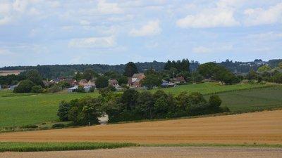 In the region - Le hameau de la Ratrie sur la commune de Boussay (Indre-et-Loire) (© By DC (Own work) [CC BY-SA 4.0 (http://creativecommons.org/licenses/by-sa/4.0)], via Wikimedia Commons (original photo: https://commons.wikimedia.org/wiki/File:Le_hameau_de_la_Ratrie_sur_la_commune_de_Boussay_(Indre-et-Loire,_France).JPG))