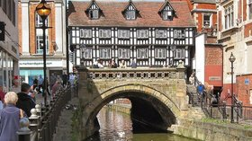 High Bridge, High Street, Lincoln (© By Brian from UK (High Bridge, High Street, Lincoln) [CC BY-SA 2.0 (https://creativecommons.org/licenses/by-sa/2.0)], via Wikimedia Commons (original photo: https://commons.wikimedia.org/wiki/File:High_Bridge,_High_Street,_Lincoln.jpg))
