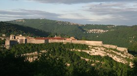 Besançon - Citadelle (© By Jean-Pol GRANDMONT (Own work) [CC BY-SA 3.0 (http://creativecommons.org/licenses/by-sa/3.0)], via Wikimedia Commons (original photo: https://commons.wikimedia.org/wiki/File:0_Besan%C3%A7on_-_Citadelle_(1).jpg))