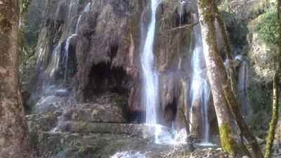 Near the site: Cascade de Clairefontaine Virieu (© By Thierry Jaguelin (cascade sur l'Arène à Virieu-le-Grand) [Public domain], via Wikimedia Commons)