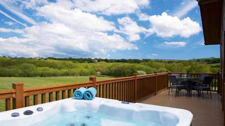 Cornwall holidays - Meadow Lakes Holiday Park, St. Austell