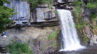 Ingleton falls (© By Immanuel Giel (Own work) [Public domain], via Wikimedia Commons)
