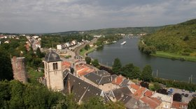 Sierck les Bains Lorraine France - west town and church (© By Christian Ries (Own work) [CC BY-SA 3.0 (http://creativecommons.org/licenses/by-sa/3.0) or GFDL (http://www.gnu.org/copyleft/fdl.html)], via Wikimedia Commons (GFDL copy: https://en.wikipedia.org/wiki/GNU_Free_Documentation_License, original photo: https://commons.wikimedia.org/wiki/File:Sierck_les_Bains_Lorraine_France_06_west_town_and_church.jpg))