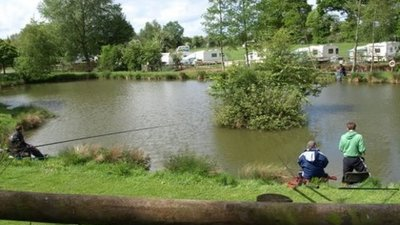 Picture of Blackland Lakes Holiday & Leisure Centre, Wiltshire, South West England