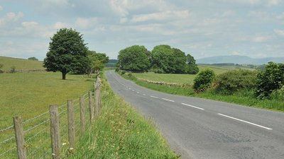 Road from Lancaster to Kirkby Lonsdale  (© © Copyright Steven Brown (https://www.geograph.org.uk/profile/16100) and licensed for reuse (http://www.geograph.org.uk/reuse.php?id=1923815) under this Creative Commons Licence (https://creativecommons.org/licenses/by-sa/2.0/).)