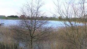 Round Lake, Fivemiletown (© Kenneth  Allen/Round Lake, Fivemiletown (original photo: https://commons.wikimedia.org/wiki/File:Round_Lake,_Fivemiletown_-_geograph.org.uk_-_309169.jpg))