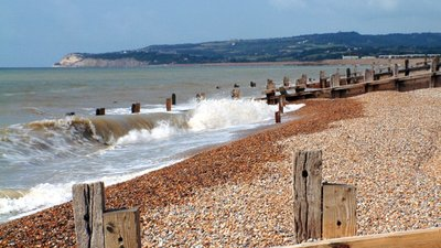 Winchelsea Beach looking towards Fairlight (© © Copyright Ronald G Nash (http://www.geograph.org.uk/profile/1913) and licensed for reuse (http://www.geograph.org.uk/reuse.php?id=48284) under this Creative Commons Licence (https://creativecommons.org/licenses/by-sa/2.0/).)