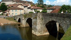 City nearby - Solignac - Pont roman - Côté aval et abbaye (© By MOSSOT (Own work) [GFDL (http://www.gnu.org/copyleft/fdl.html) or CC BY-SA 3.0 (http://creativecommons.org/licenses/by-sa/3.0)], via Wikimedia Commons (GFDL copy: https://en.wikipedia.org/wiki/GNU_Free_Documentation_License, original photo: https://commons.wikimedia.org/wiki/File:Solignac_-_Pont_roman_-_C%C3%B4t%C3%A9_aval_et_abbaye.JPG))
