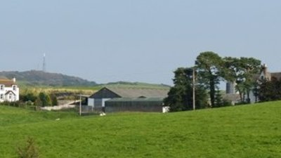 Corra Farm, Castle Douglas near the caravan site (© © Copyright James Bell (https://www.geograph.org.uk/profile/48946) and licensed for reuse (http://www.geograph.org.uk/reuse.php?id=2048292) under this Creative Commons Licence (https://creativecommons.org/licenses/by-sa/2.0/).)