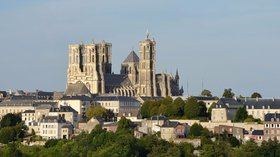 La cathédrale de Laon (© By Pline (Own work) [CC BY-SA 3.0 (http://creativecommons.org/licenses/by-sa/3.0)], via Wikimedia Commons)