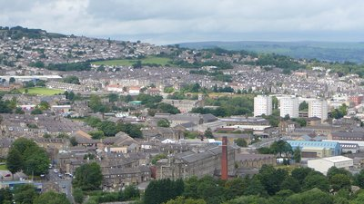 A view over Keighley (© By Flickr user:Tim Green atouch (http://www.flickr.com/photos/atoach/4977825144/) [CC BY 2.0 (http://creativecommons.org/licenses/by/2.0)], via Wikimedia Commons (original photo: https://commons.wikimedia.org/wiki/File:A_view_over_Keighley_(31st_July_2010).jpg))