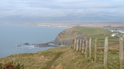 A view towards Borth  (© © Copyright John Lucas (https://www.geograph.org.uk/profile/14997) and licensed for reuse (https://www.geograph.org.uk/reuse.php?id=1170280) under this Creative Commons Licence (https://creativecommons.org/licenses/by-sa/2.0/).)
