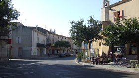 Aigues Vives Place Temple (© By Clem Rutter, Rochester, Kent (Own work) [GFDL (http://www.gnu.org/copyleft/fdl.html) or CC BY 3.0 (http://creativecommons.org/licenses/by/3.0)], via Wikimedia Commons (GDDL copy: https://en.wikipedia.org/wiki/GNU_Free_Documentation_License, original photo: https://commons.wikimedia.org/wiki/File:Aigues_Vives_Place_Temple_9233.JPG))