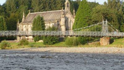 Church of Scotland in Langholm near the caravan site (© By Immanuel Giel (Own work) [Public domain], via Wikimedia Commons)
