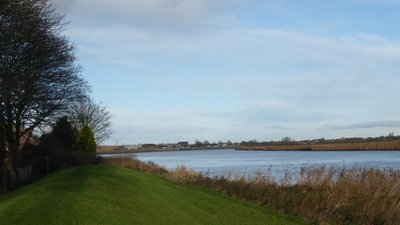 The River Ouse at Goole Reach near the caravan site (© © Copyright Graham Hogg (https://www.geograph.org.uk/profile/47667) and licensed for reuse (http://www.geograph.org.uk/reuse.php?id=4280371) under this Creative Commons Licence (https://creativecommons.org/licenses/by-sa/2.0/).)