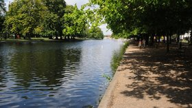 River Great Ouse, Bedford  (© © Copyright Philip Halling (https://www.geograph.org.uk/profile/1837) and licensed for reuse (https://www.geograph.org.uk/reuse.php?id=2520819) under this Creative Commons Licence (https://creativecommons.org/licenses/by-sa/2.0/).)