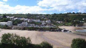 Aberporth Beach (© © Copyright Cered (http://www.geograph.org.uk/profile/775) and licensed for reuse (http://www.geograph.org.uk/reuse.php?id=54194)  under this Creative Commons Licence (https://creativecommons.org/licenses/by-sa/2.0/).)