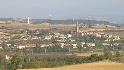 Village in Avignonet Lauragais (© By TomKr (Self-photographed) [GFDL (http://www.gnu.org/copyleft/fdl.html) or CC BY-SA 3.0 (http://creativecommons.org/licenses/by-sa/3.0)], via Wikimedia Commons (GFDL copy: https://en.wikipedia.org/wiki/GNU_Free_Documentation_License, original photo: https://commons.wikimedia.org/wiki/File:Photo_ville_fr_Avignonet-Lauragais.jpg))
